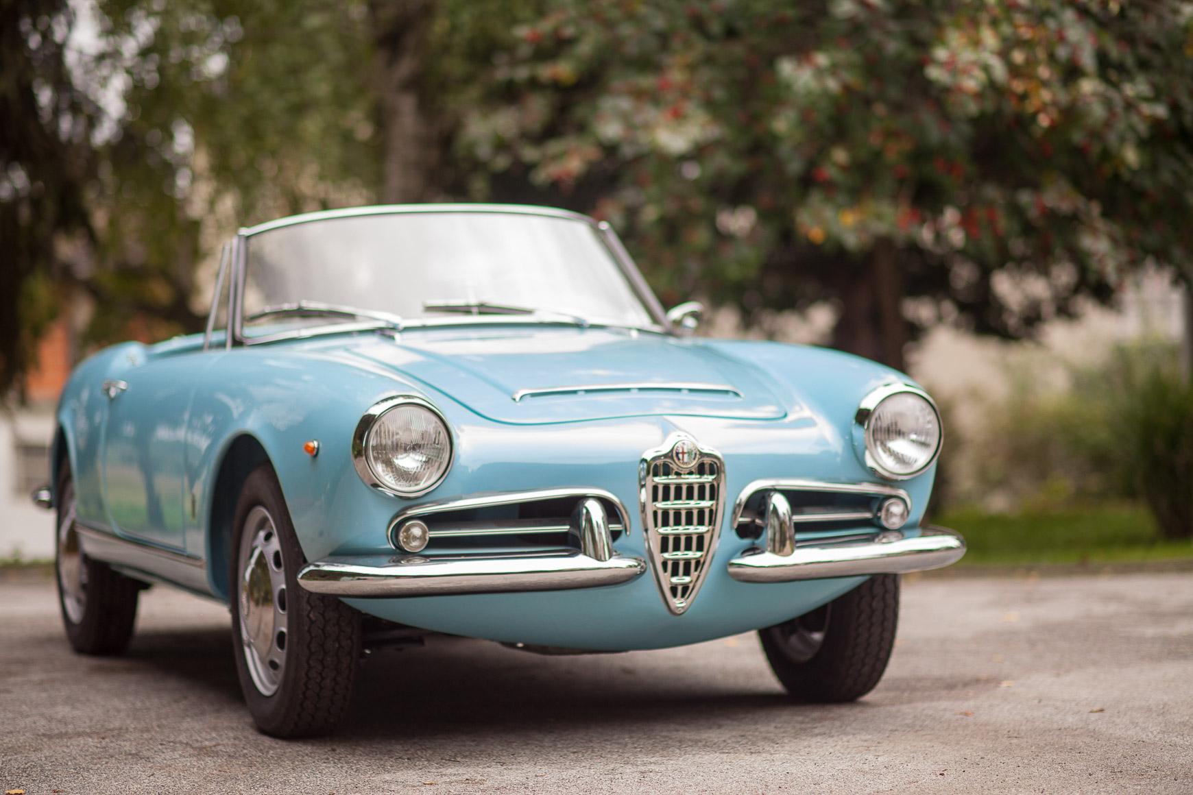 Alfa Romeo Giulia Spider 1964 Pagoda Classics